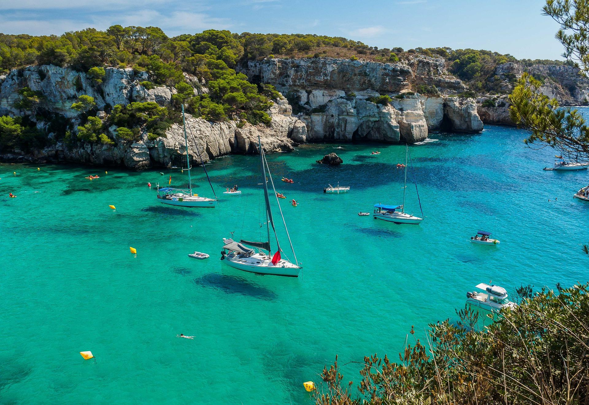 Pauschalreisen Balearen - Unsere Travelhouse Koffer lieben Urlaub.